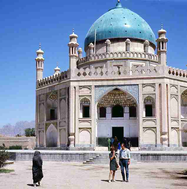 The-tomb-of-Timur-Shah-son-of-Ahmad-Shah-Durrani