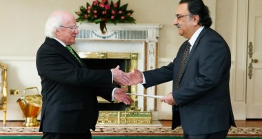 Ambassador Yaar presented his non-resident diplomatic credentials to the President of republic of Ireland.